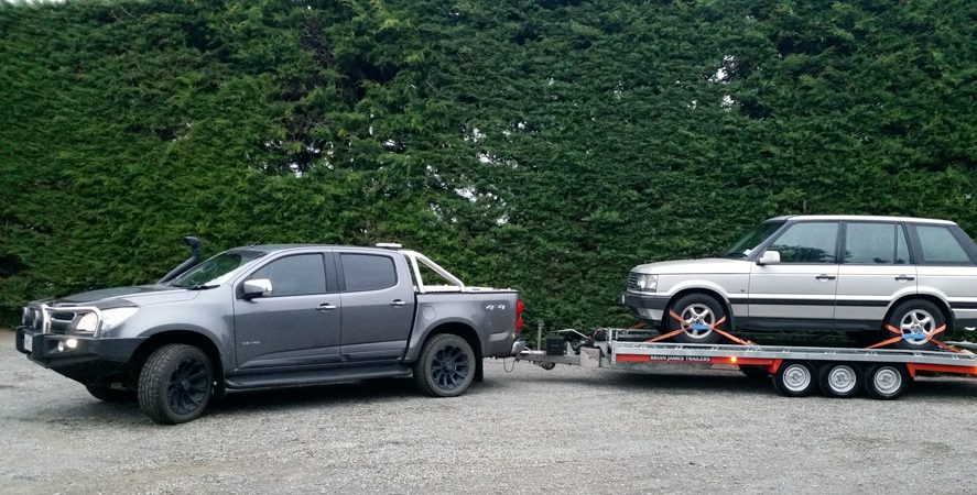 Range Rover with a Brian James Trailer